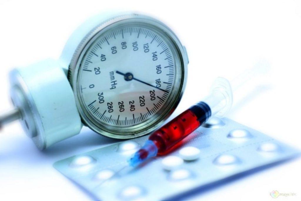 उच्च रक्तचाप के लक्षण